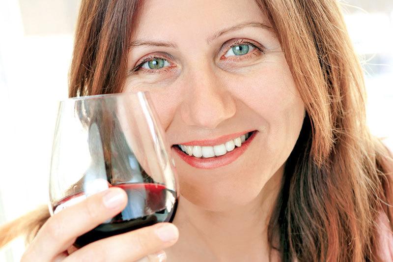 Vinul roşu, un aliat al sănătăţii orale. Studiul care arată efectele benefice ale acestei băuturi
