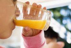 De ce nu ar trebui să bem sucuri de fructe pe stomacul gol