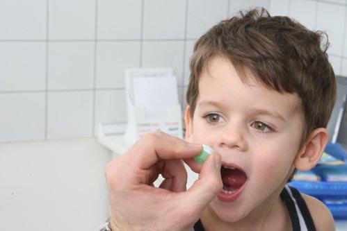 SEZONUL VIROZELOR este în toi. Copiii, cei mai expuşi îmbolnăvirii. Ce trebuie să ştie părinţii