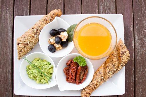 Beneficii ale dietei mediteraneene: de la un metabolism sănătos la reducerea riscului de apariţie a cancerului