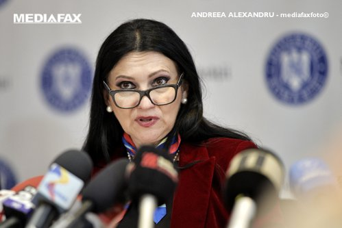 Sorina Pintea, replică pentru Ungureanu: Comisia a procedat corect privind vaccinurile. Nu mă tem de plângeri