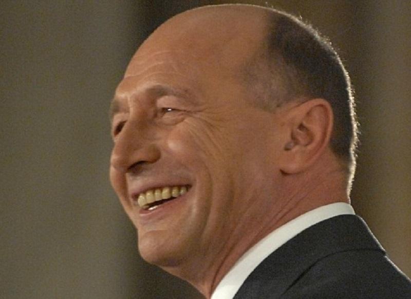 Partidul Mişcarea Populară îl declară pe Băsescu BUNICUL formaţiunii. Cum arată NEPOŢEII preşedintelui