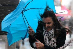 VREMEA. Avertizări de COD PORTOCALIU de ploi pentru judeţele Caraş-Severin, Hunedoara şi Gorj