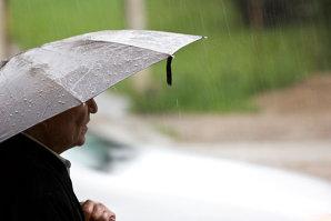 VREMEA: Prognoza meteo pentru următoarele două zile. Marţi se vor semnala ploi şi grindină