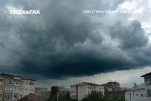 VREMEA. Cod galben de ploi, vânt şi ninsori în weekend. Regiunile afectate