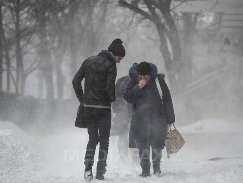 Revin ninsorile şi viscolul. Care vor fi zonele afectate
