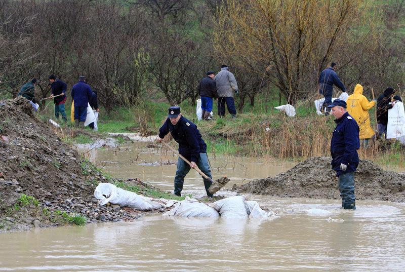 Meteo. Cod gaben de inundaţii în nouă judeţe de ţară