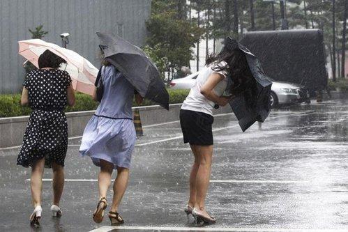 Atenţionarea meteorologilor: cod galben de ploi şi vânt pentru şapte judeţe din România