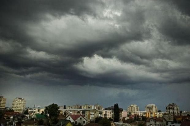 Avertizare COD GALBEN de ploi şi vijelii pentru şase judeţe