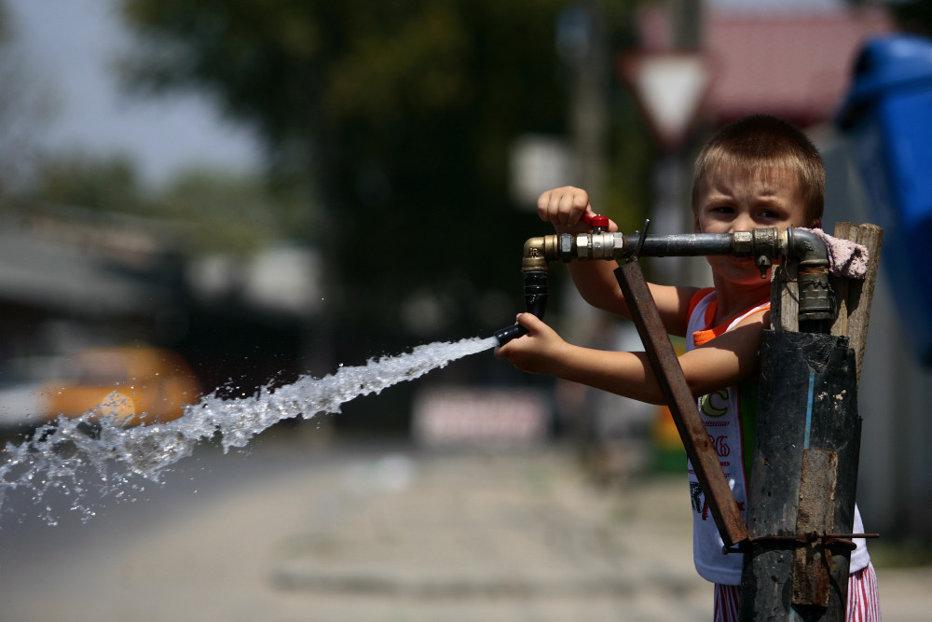 COD ROŞU de caniculă în România. Judeţele unde temperaturile ajung la 42 de grade