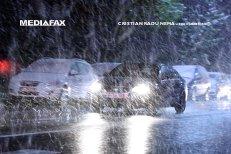 Atenţionare de vreme rea în minivacanţa de 1 decembrie. Unde va ninge şi unde vor veni ploile