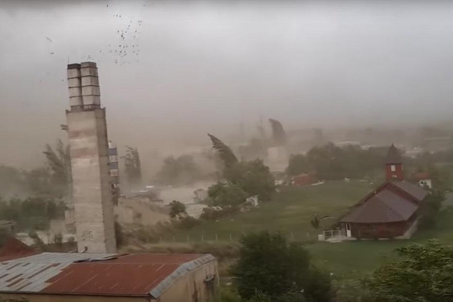 Cod portocaliu de furtună în Arad. Lista judeţelor aflate sub avertizare cod galben