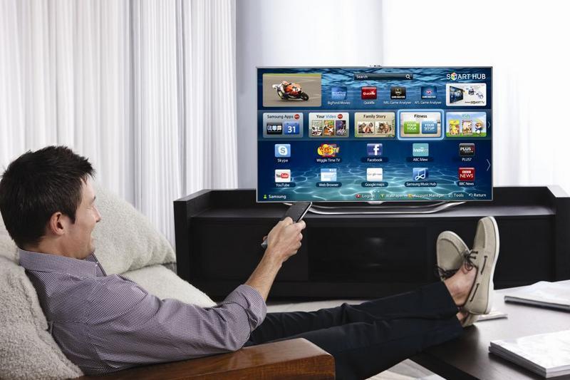 STUDIU: Pentru ce şi-ar cumpăra românii un Smart TV