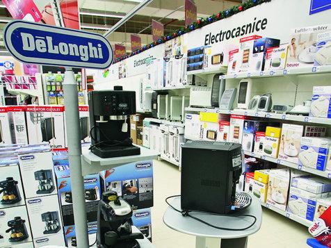 Domo închide toate cele 75 de magazine şi rămâne doar cu operaţiuni online