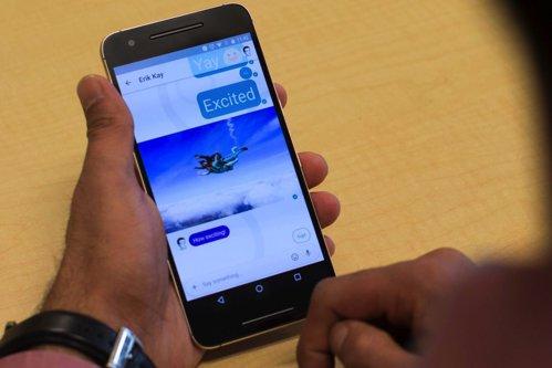 Google a lansat o nouă aplicaţie de chat, asemănătoare cu Facebook Messenger. Ce noutăţi aduce