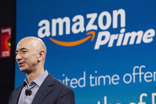 Gigantul american Amazon pregăteşte o mare afacere în Europa, dar aşteaptă, cu emoţii, aprobarea UE