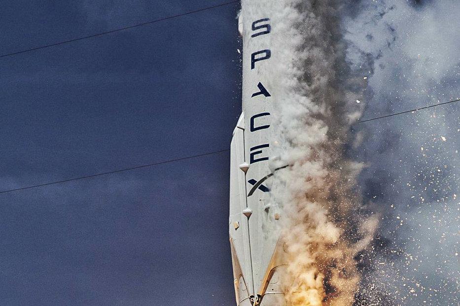 S-a aflat. Ce a dus la explozia rachetei Space X pe care Zuckenberk şi şeful Tesla voiau să o trimită în spaţiu