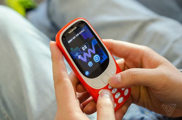 Veste şoc pentru Nokia. Abia lansat, noul Nokia 3310 nu va putea fi folosit în numeroase state, printre care şi SUA. Care este motivul