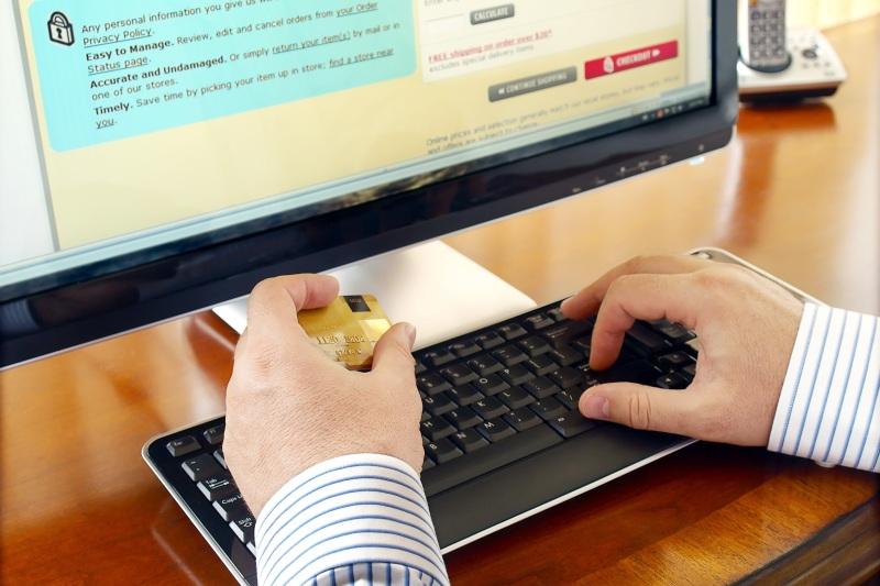 Care a fost cea mai mare tranzacţie online făcută de un român în 2016