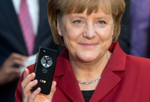 """Ce smartphone-uri folosesc celebrităţile şi lideri precum Putin sau Merkel? Majoritatea au iPhone, dar sunt şi câteva nume """"grele"""" în barca Samsung"""
