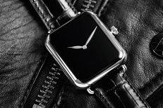 O companie elveţiană, producătoare de ceasuri de lux, copiază designul Apple Watch. Preţul unui singur ceas: 27.000 de dolari