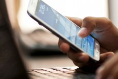 Amendă uriaşă pentru o companie telefonică din România care nu-şi lăsa clienţii să se porteze în altă reţea. Mii de români au fost afectaţi