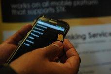 Anunţ important, de la ANCOM, pentru românii care folosesc date în roaming. Ce se schimbă de la 1 ianuarie 2018