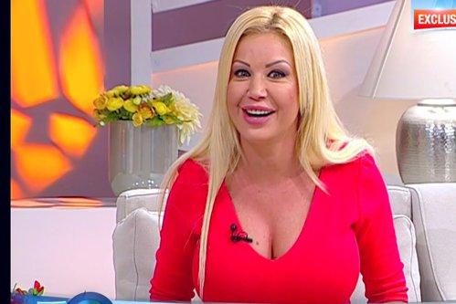 Blonda cu cele mai mari silicoane din România, momente teribile în Bamboo