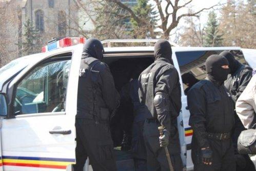 """Şocul trăit de mai mulţi români după ce au chemat acasă 2 escorte. Ce au descoperit după """"aventura"""" pe care au avut-o"""