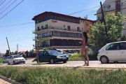 """Această tânără din Cluj a ieşit GOALĂ pe stradă. Ce a urmat când a intrat într-un hotel este de-a dreptul HALUCINANT.  """"Atingeţi-mă pe..."""". VIDEO"""