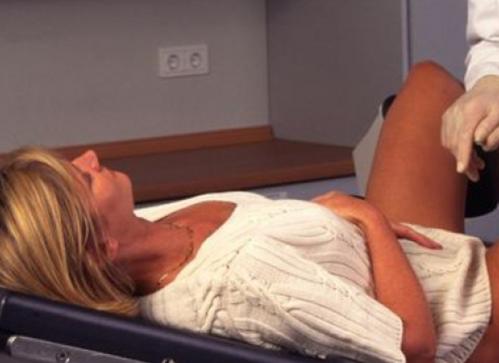 """Motivul pentru care o femeie şi-a dat în judecată ginecologul. """"Nu puteam să îmi scot din minte consultaţia"""""""