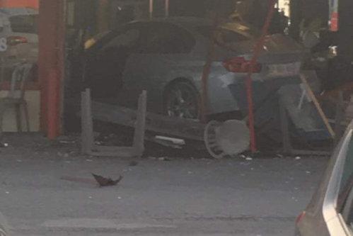 Şoferul care a intrat cu maşina într-o pizzerie de lângă Paris, omorând o fetiţă de opt ani şi rănind cel puţin opt oameni, îşi explică gestul. Ce le-a spus poliţiştilor