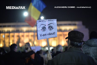 50.000 de oameni au plecat în marş din Piaţa Universităţii către Palatul Parlamentului