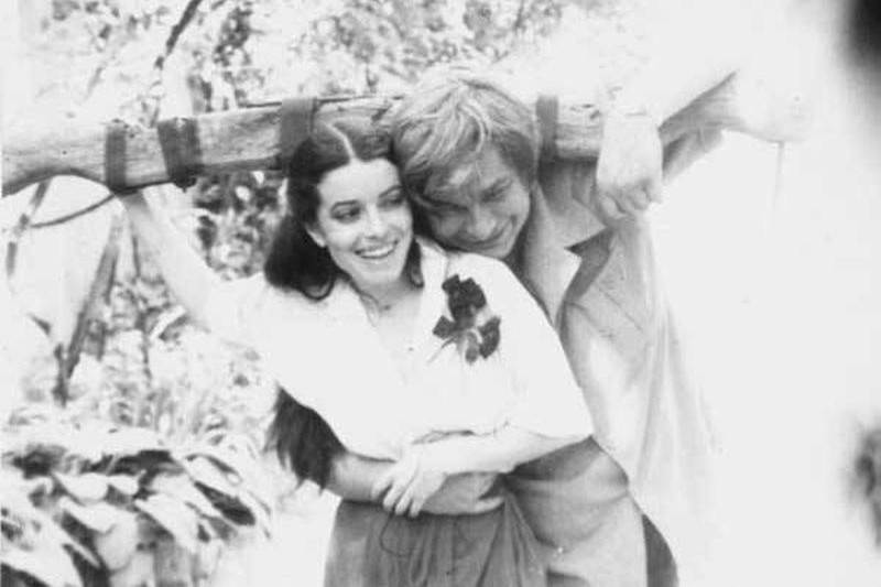 Geniul lui Nichita Stănescu, văzut prin ochii ultimei sale iubiri, Dora: Poeţii tineri veneau pentru un fel de binecuvântare, iar el considera că nu trebuie să respingă pe nimeni