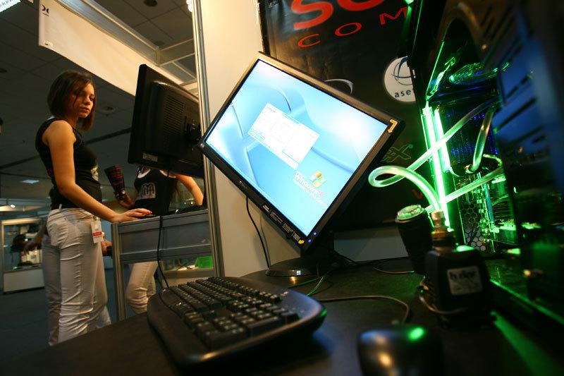 Numărul conexiunilor la Internet în bandă largă din România a crescut cu 19,4%