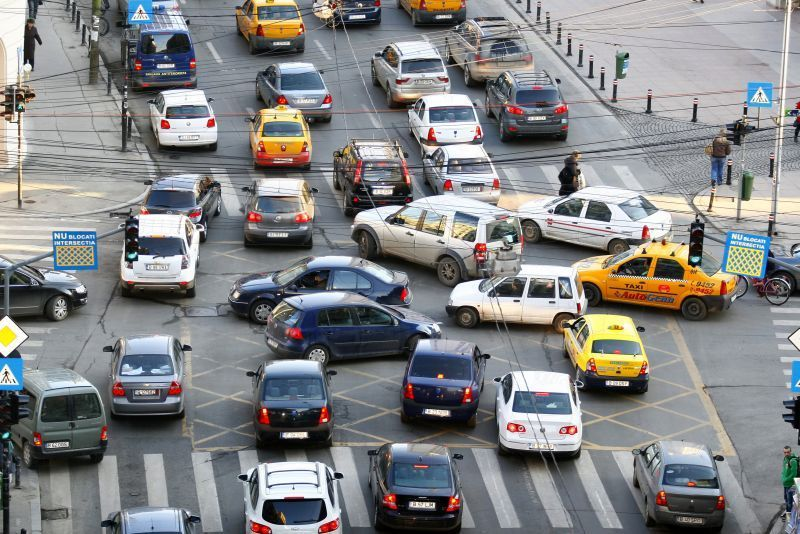 TIMBRU DE MEDIU. Cine este scutit de la noua taxă auto care intră în vigoare în 15 martie