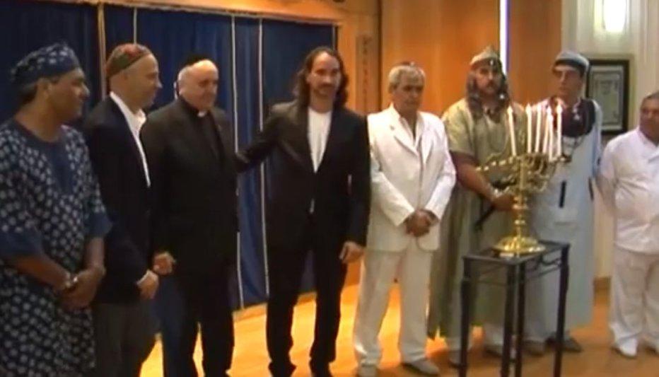 NOUL PAPĂ, JORGE MARIO BERGOGLIO, PAPA FRANCISC, a sărbătorit Hanuka alături de evreii din Buenos Aires, anul trecut. VIDEO