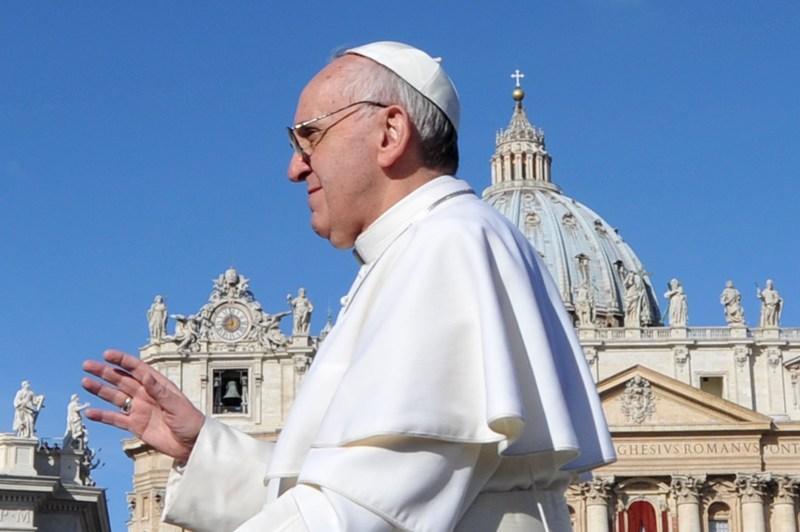 Peste un miliard de catolici sărbătoresc Duminică Paştele. Papa Francisc prezidează prima lui liturghie de Paşte