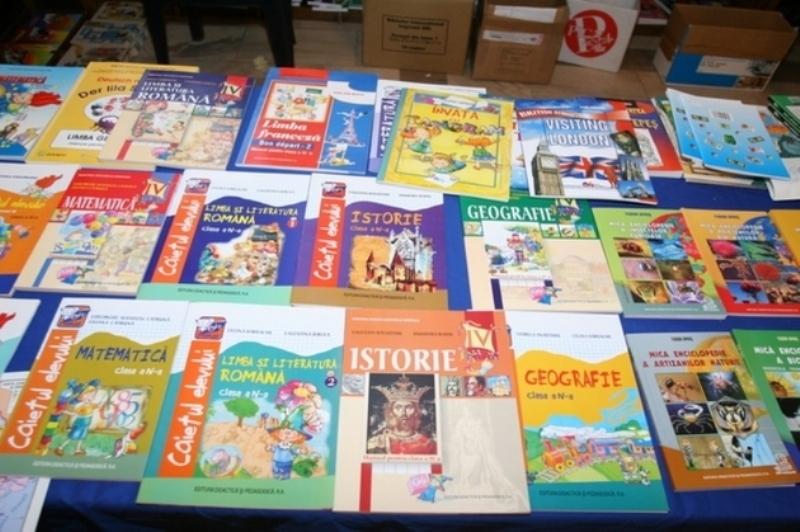 Liviu Maior: Manualele alternative au salvat piaţa editorială din România