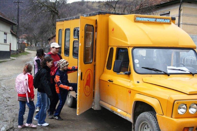 Imagini pentru transport elevi