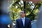 Victor Ponta, întâmpinat cu huiduieli la Sibiu, la o conferinţă a pensionarilor