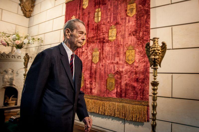 Premierul Victor Ponta a fost invitat de Regele Mihai I la prânz la Palatul Elisabeta