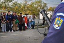 Jandarmerie: Misiunea jandarmilor este să asigure un climat de normalitate la Pungeşti