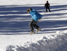 Sărbători pe schiuri şi concerte la Straja, Parâng şi Rânca sau croaziere pe Dunăre