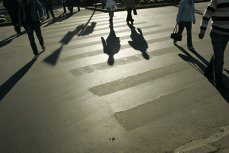 Două eleve din Târgu Jiu, lovite cu maşina pe trecerea de pietoni de tatăl viceprimarului