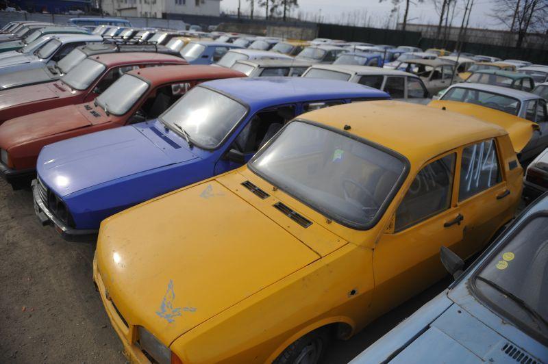 Veste bună pentru românii care au avut bani la CEC pentru automobile Dacia