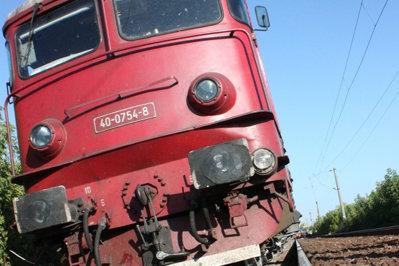 Un vagon al unui tren încărcat cu motorină a deraiat în Harghita