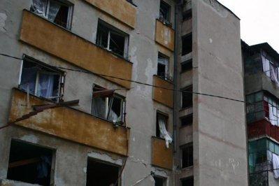 Explozie într-un bloc. Zece locatari au fost evacuaţi cu scara mobilă
