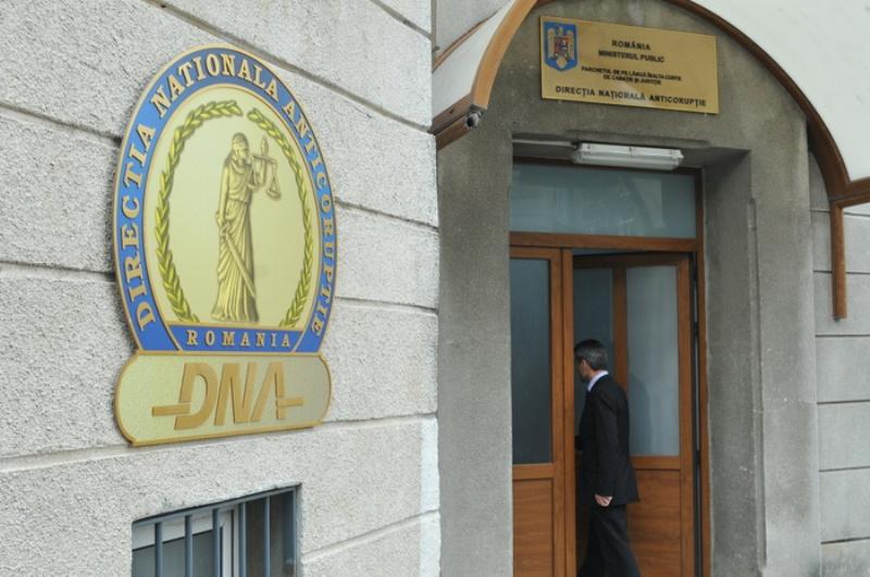 Deputatul PSD de Teleorman Adrian Simionescu si fostul actionar Tel Drum Marian Fiscuci, adusi la DNA