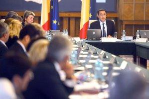 """Guvernul a aprobat rectificarea bugetară. Ponta: """"Nu am  tăiat niciun leu de la Cultură"""""""